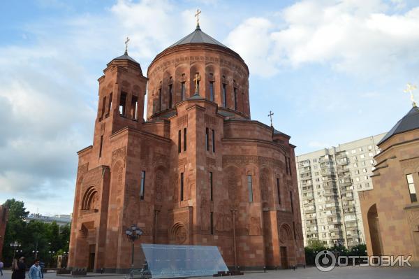 самом деле, врмянская апостольская церковь и православие в чем разница наших краях