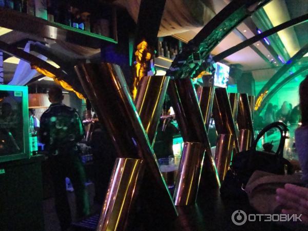 sankt-peterburg-xxxx-bar-park-pobedi