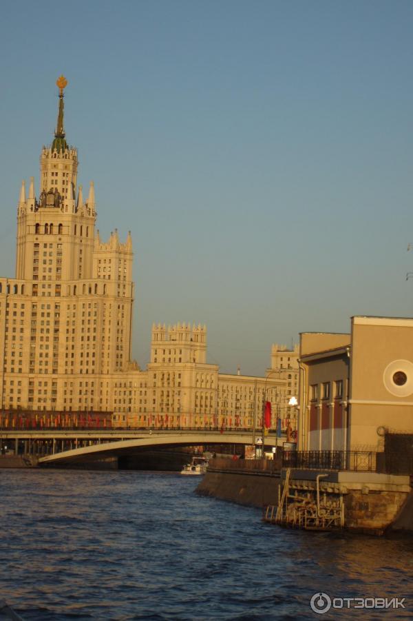 Экскурсии по москве реке