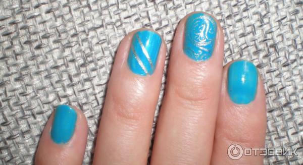 Наклейки полоски на ногтях фото