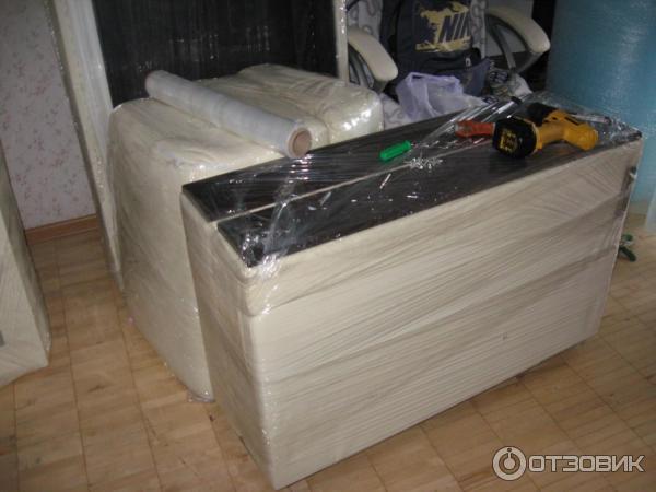 разобранный и упакованный диван