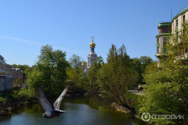 Воскресенская церковь на православном Смоленском кладбище