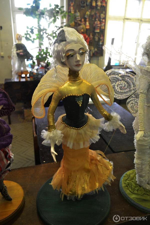 новая кукла в мастерской