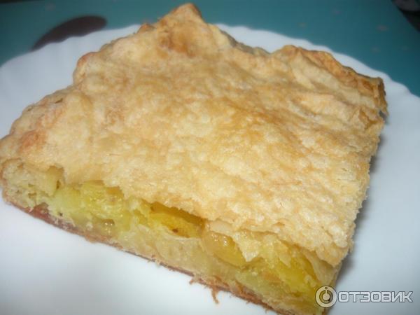 Пирог из слоеного бездрожжевого теста с рыбой и картошкой рецепт