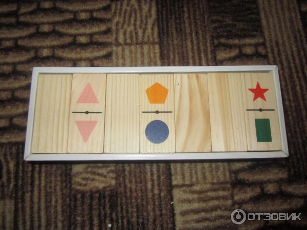 Есть разные варианты на некоторых нарисованы цифры, а есть и карточки с игрушками