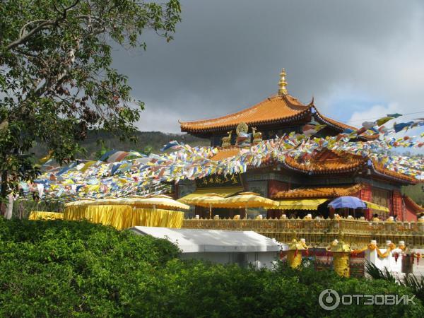 Центр буддизма наньшань расположен в китае, на острове хайнань, в 40 километрах от города санья